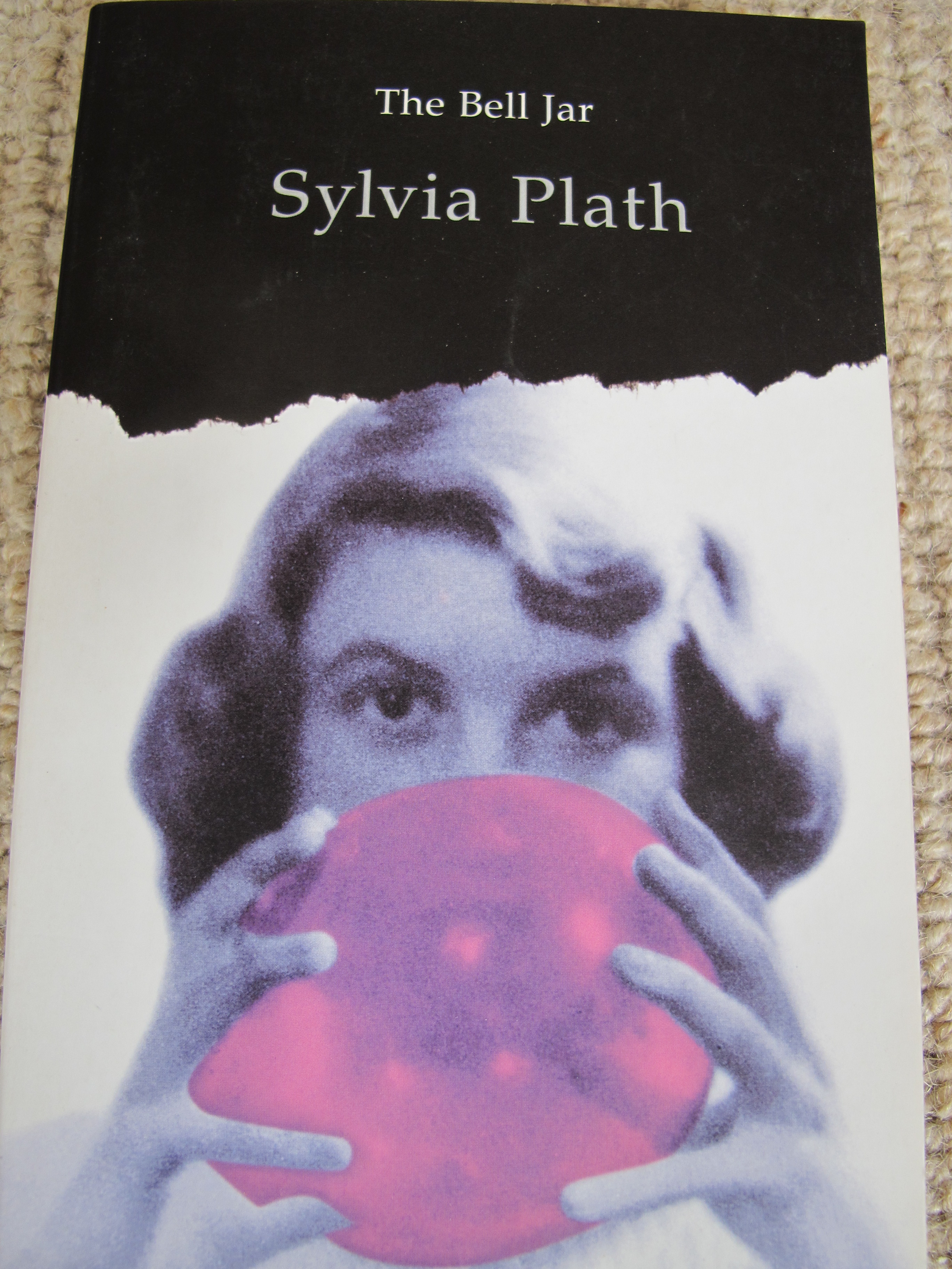 a literary analysis of bell jar by sylvia plath The bell jar was originally published under the pseudonym victoria lucas in order to protect the real-life figures plath had based some of the bell jar 's characters on ghost titles before settling on the bell jar , plath considered titling the novel diary of a suicide or the girl in the mirror.